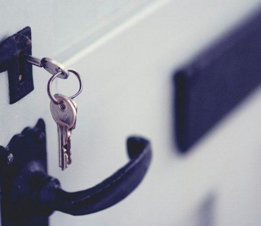 kljuć-brava-vrata