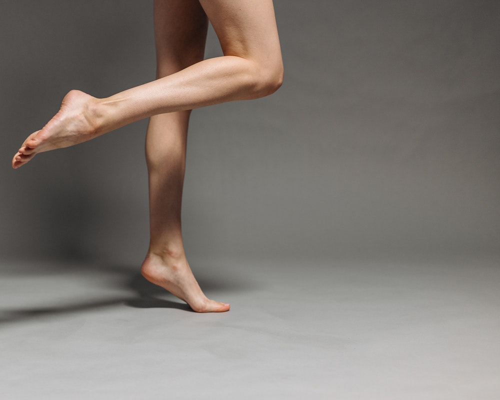 stopala-gole-noge